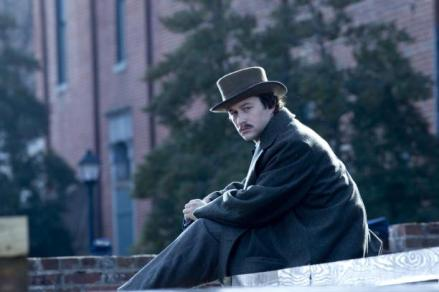 joseph-gordon-levitt-in-lincoln_612x408