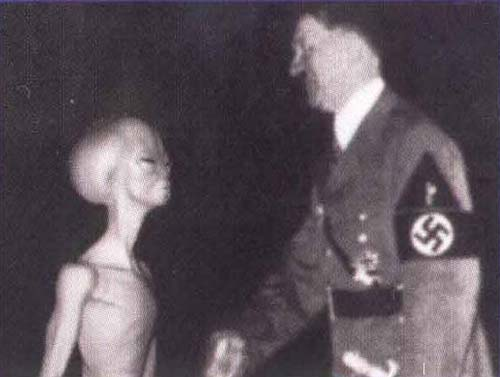 hitler-and-the-gray-aliens