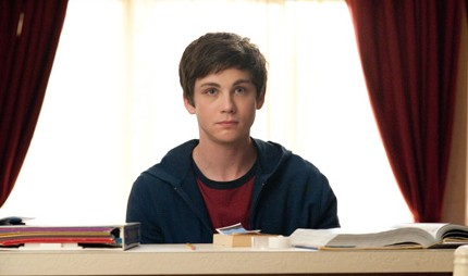 the-perks-of-being-a-wallflower-charlie-e1352148119375