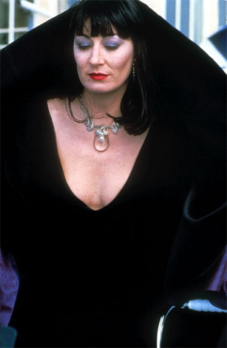 The-Witches-anjelica-huston-33154028-401-615