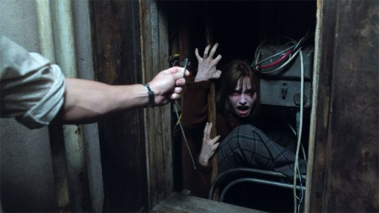 conjuring-2-photo-14